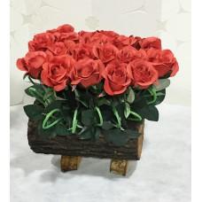 Kütük Üzeri Kırmızı Güller